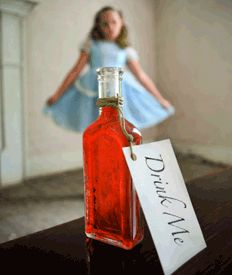 Alice in Wonderland - tons of good ideas for games, food, favors & decor