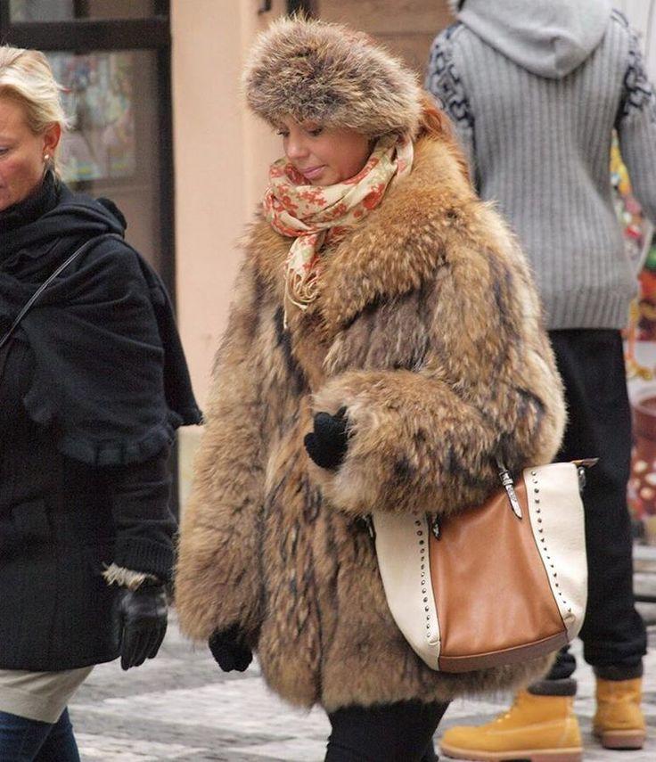www.furfashionguide.com is back online, Fur Fashion forums ...