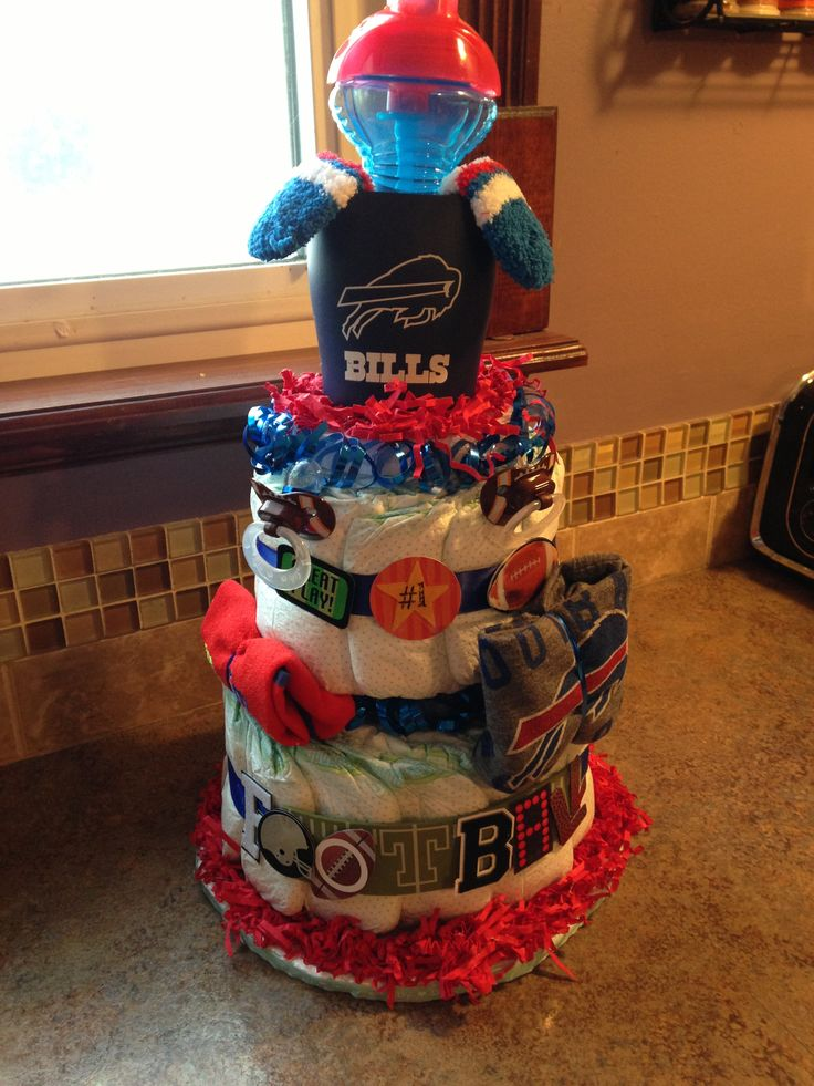 Buffalo Bills Diaper Cake totally cute. Would so do this either Auburn Tigers, ATL Falcons, or ATL Braves.