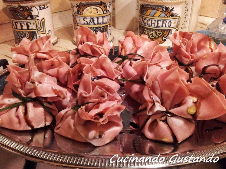 Fagottini di mortadella philadelphia pistacchio