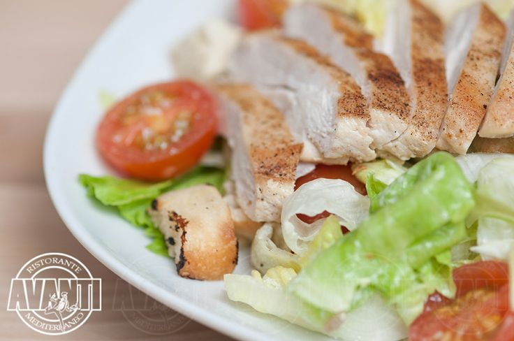 Ceasar (Vegetables, chicken breast, toast, mayonnaise)