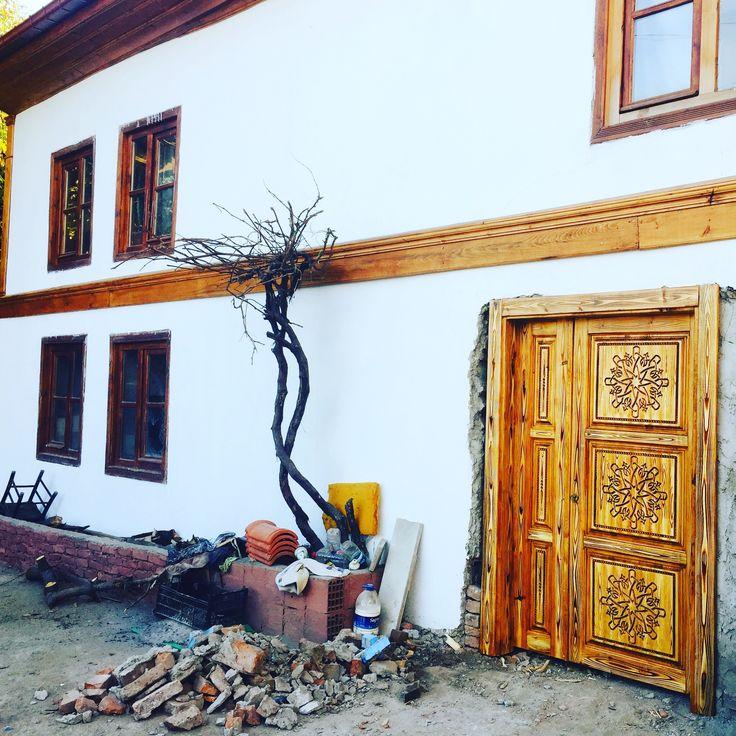 Cnc işlemeli ahşap kapı