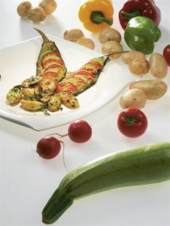 Фаршированные баклажаны с жареной картошкой