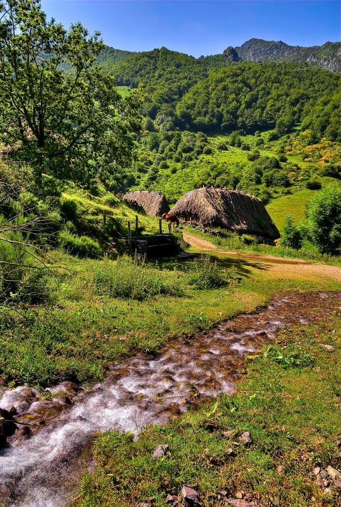 Brañas la Pornacal en Parque Natural de Somiedo, Asturias Spain