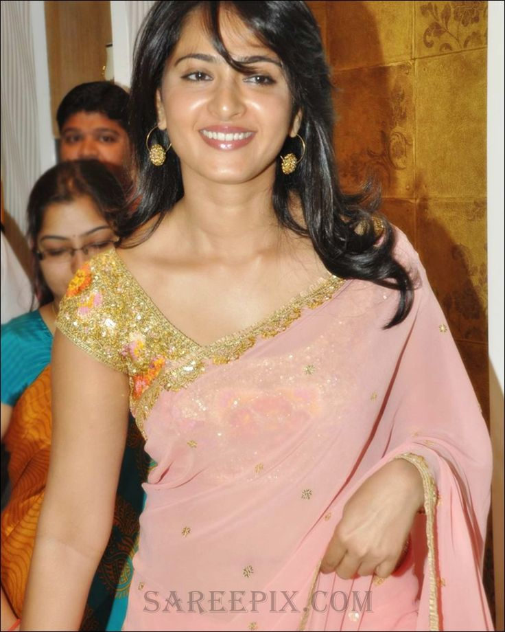 Anushka_Shetty_pink_transparent_saree