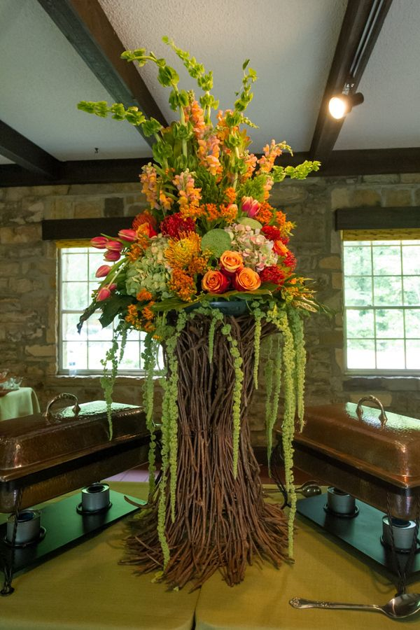 Susan \u0026 Yeatts | Birmingham Zoo Lodge | Modern flower ...
