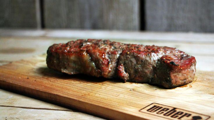 Heb jij thuis cederhouten plankjes voor de BBQ? Bereid er eens een entrecôte op!