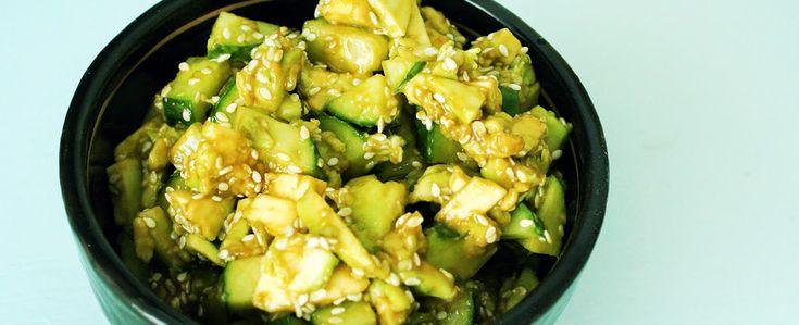 Gewoon wat een studentje 's avonds eet: Japanse salade: Komkommer met avocado, sojasaus en...