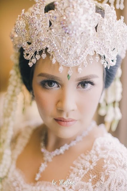 wedding day: The Enchanting Sundanese Wedding of Sabila & Ardieles (Pernikahan Adat Sunda)