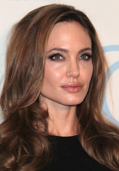 Angelina ar hollywoods sexigaste mamma