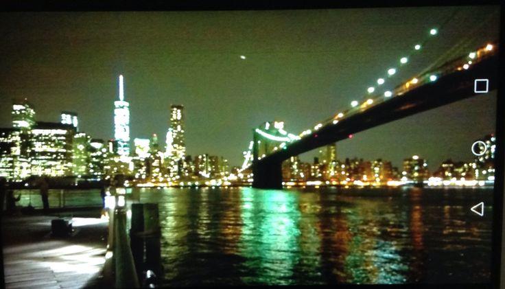 Ponte di Brooklyn di notte