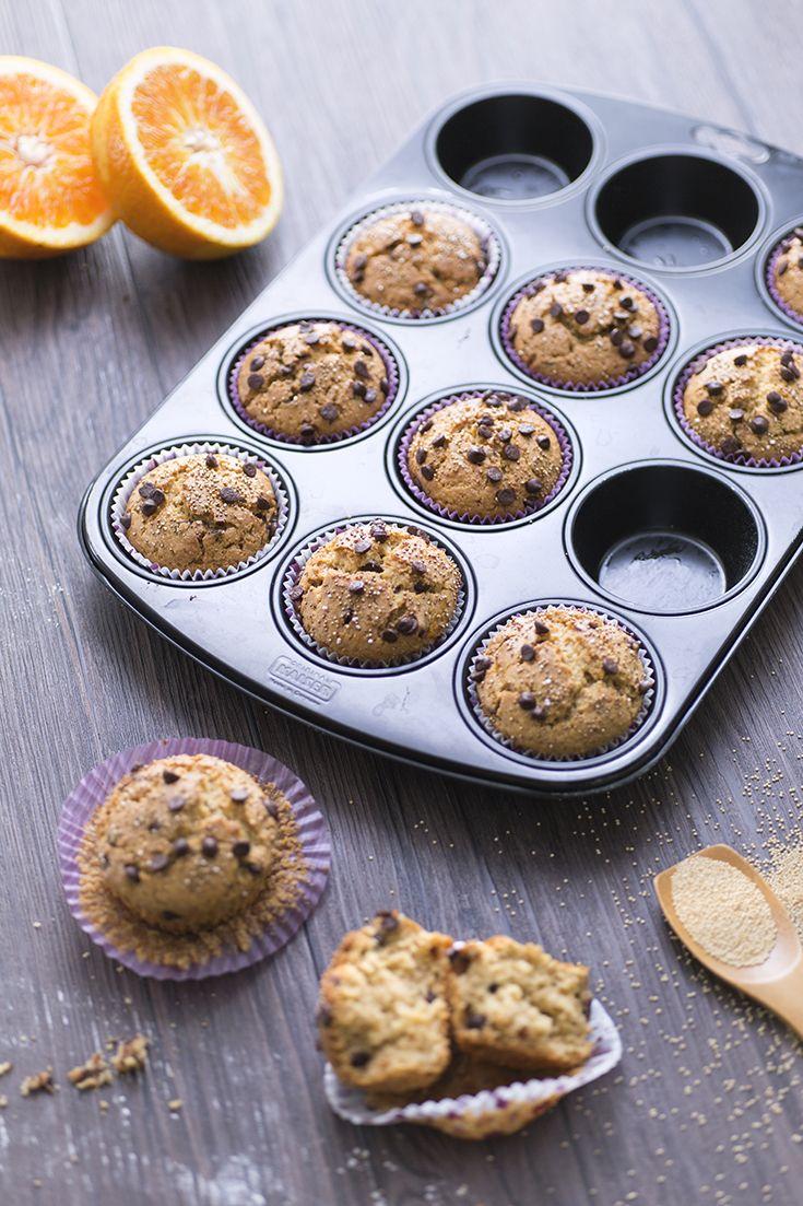 Quando si ha voglia di un dolcetto saporito e che ispira il buonumore, questi #muffin all'#amaranto sono l'ideale! La loro consistenza corposa e grezza li rende piacevolmente #rustici, dal leggero aroma di #malto e #nocciola! Un tocco di freschezza è nei #mirtilli, aggiunti interi per un contrasto perfetto! #ricetta #GialloZafferano