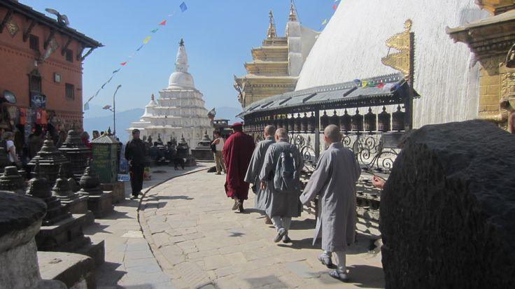 Buddhist tradition at the temple in Kathmandú
