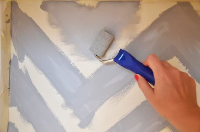 Chevron and chalkboard on HEMNES Bureau - IKEA Hackers - Chevron paint inside the pax wardrobe instead of wallpaper?