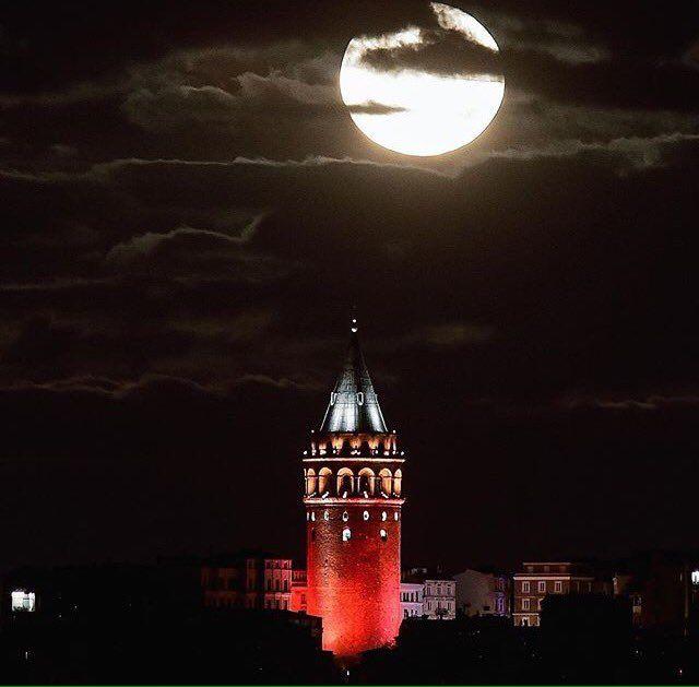 Galata Kulesi ve AY Harika