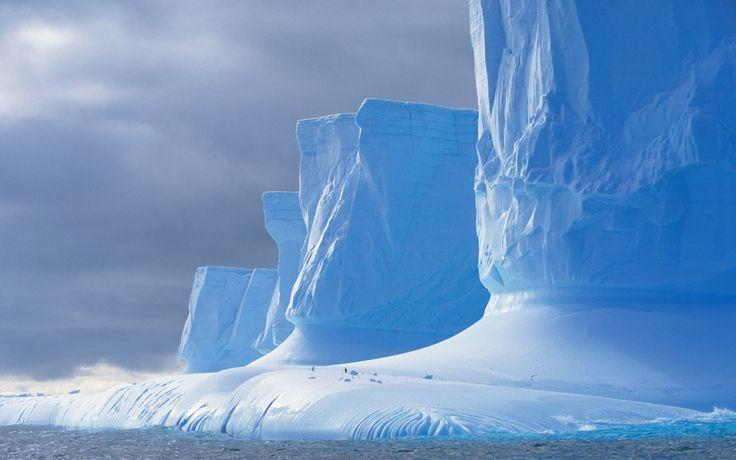 Icebergs off the Palmer Peninsula, Drake Passage, Antarctica /// #travel #wanderlust
