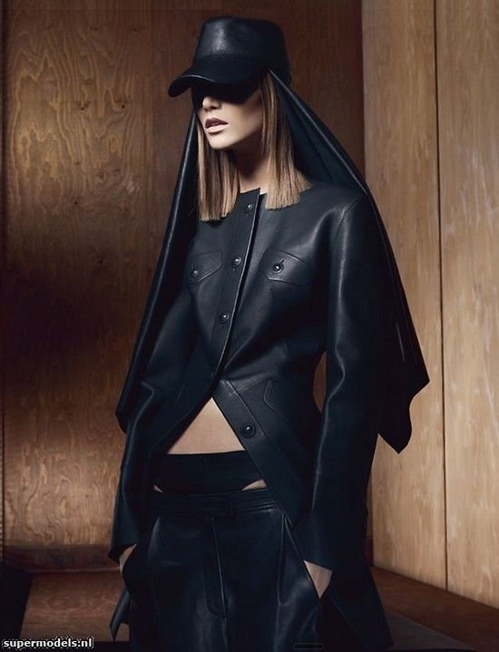 Suvi Koponen in 'New Noir' - Photographed by Craig McDean (Vogue UK September 2012)    Complete shoot after the click...