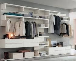 Oltre 25 fantastiche idee su Camera da letto con cabina armadio su ...