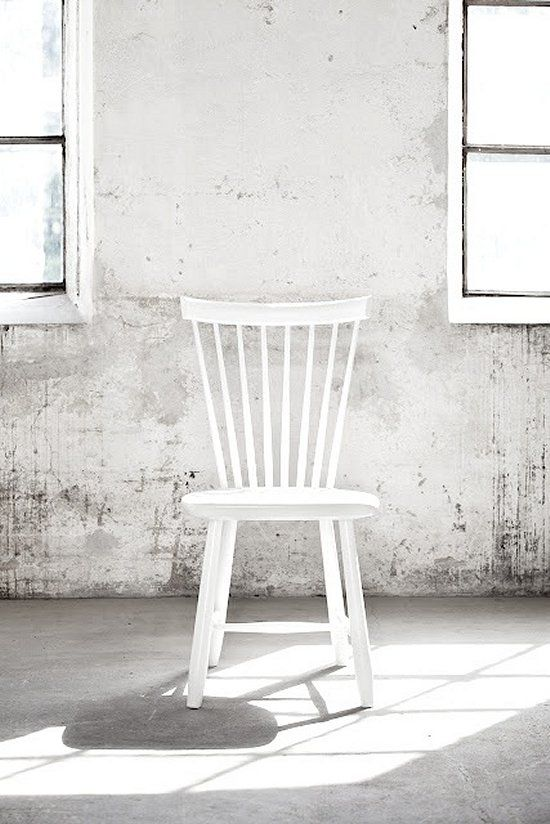 VosgesparisWall Colors, White Chairs, Lilla Åland, Rocks Chairs,  Rocker, Interiors, Dining Chairs, Farms Tables, Design