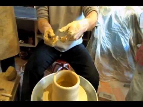 stage tournage Poterie du Carbassou 1ere partie : le centrage - YouTube