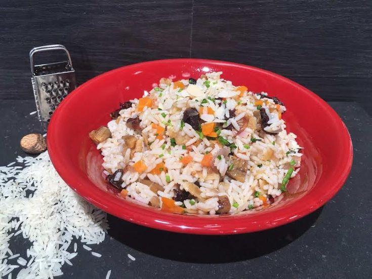 Πιλάφι λαχανικών από την Αργυρώ Μπαρμπαρίγου | Σε αυτό το πιλάφι, το ρύζι μένει σπυρωτό, με τα αποξηραμένα φρούτα και τους ξηρούς καρπούς είναι απλά υπέροχο