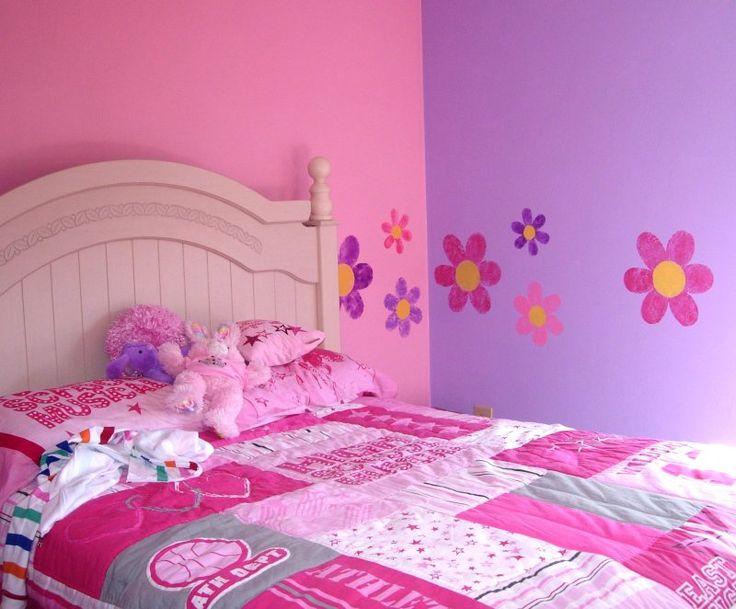 Flower Stencils In A Childu0027s Bedroom