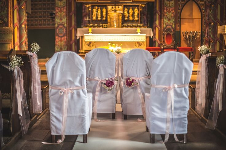 Dekoracja krzeseł w kościele / chairs in the church #decoration #wedding #flowers #rustic  #church