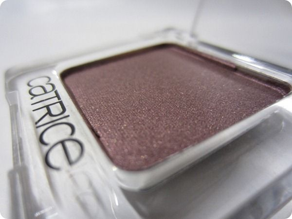 11.08.2012-catrice-lidschatten-570-plum-up-the-jam-absolute-eye-color