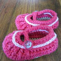 Crochet pumps