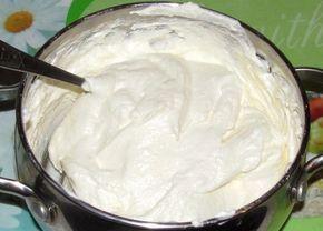 Famózní tvarohový krém se salkem hotový za 5 minut, kterým naplníte jakékoli dezerty