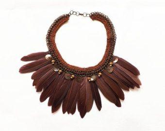 collar africano con plumas - Buscar con Google