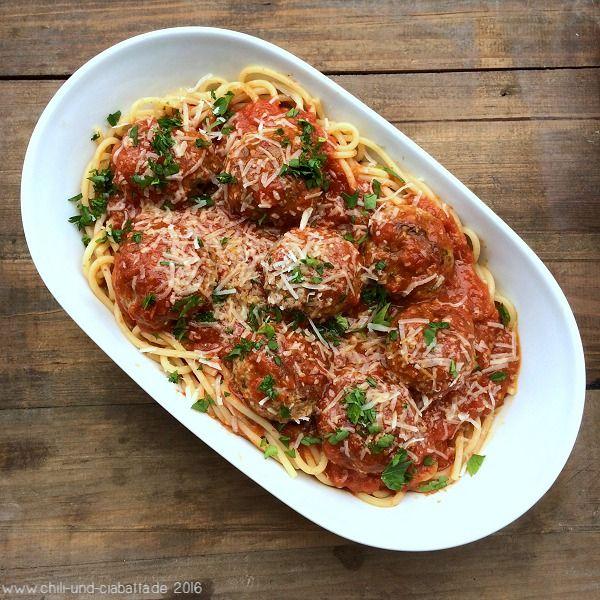 Spaghetti mit Fleischbällchen und Tomatensauce | Chili und Ciabatta