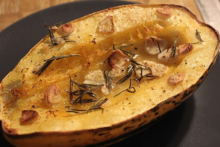 Gebackener Spaghettikürbis, ein tolles Rezept aus der Kategorie Gemüse. Bewertungen: 55. Durchschnitt: Ø 4,2.