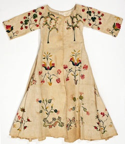 Child's dress, embroidered, mid 18th century, American  I would guess this is for a little boy as it seems to be front closing.Sports Cars, Met Museums, Fashion, Antique Clothing, Antiques Clothing, Metropolitan Museum, Embroidered Dresses, Folk Embroidery, Mid 18Th Century
