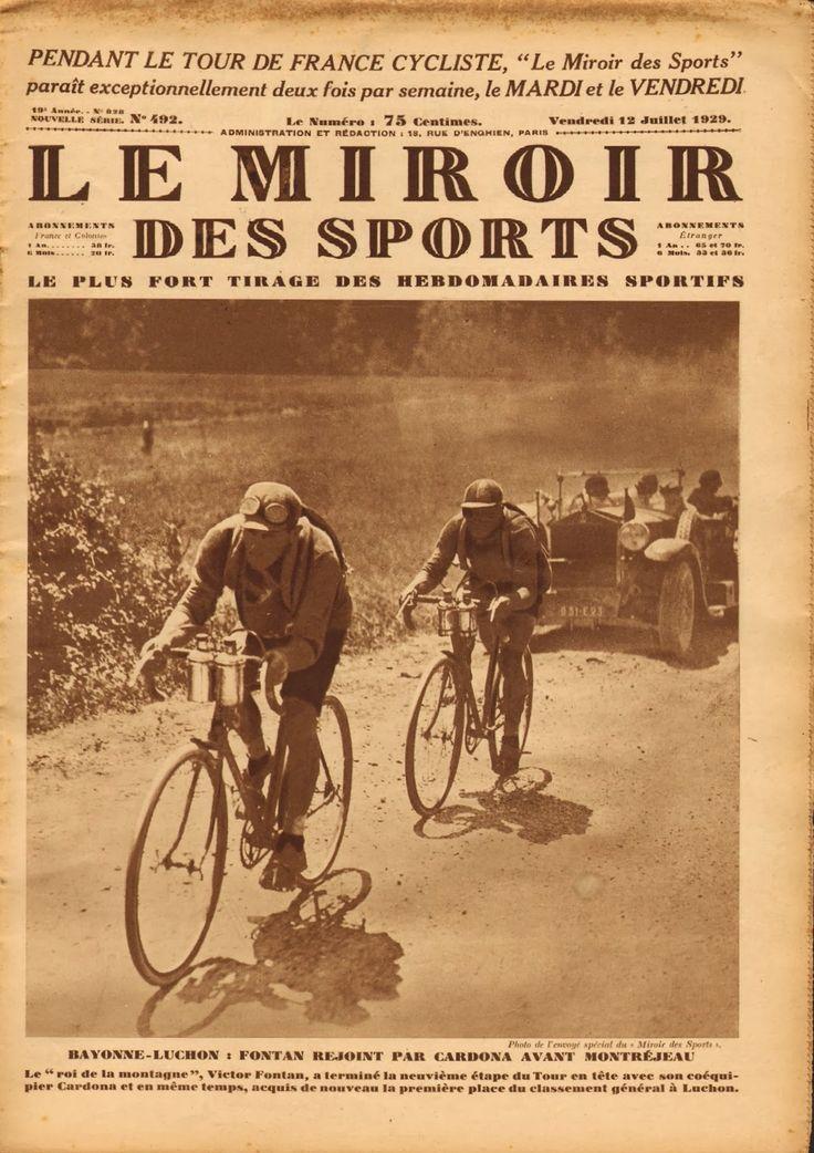 Tour de France 1929. 09-07-1929, 9^Tappa. Bayonne - Luchon. Poco prima di Montréjeau Victor Fontan (1892-1982), che sarà la nuova nuova maglia gialla al termine della frazione, viene raggiunto da Salvador Cardona (1901-1985), poi vincitore sul traguardo di Luchon [Le Miroir des Sports] (www.cyclingpassions.eu)