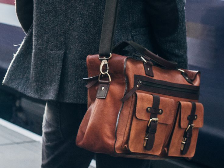 The Orient Leather Flight Bag from Scaramanga's extensive range of leather travel bags. Unique gifts for men.