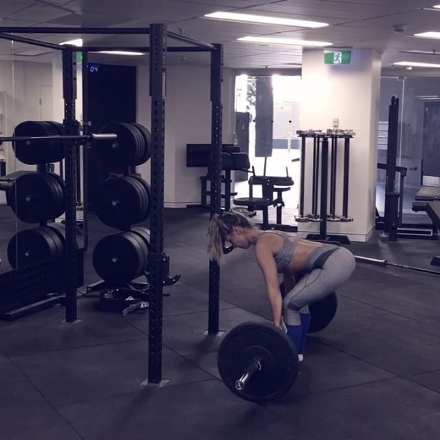 Work your booty, posterior chain and core with this awesome lower body circuit👊🏻 A1 5 X Conventional Deadlifts  A2 5 X Lying Hamstring Curls A3 10 X Romanian Deadlifts  A4 10 X 90' Hip Extensions A5 20 X Kettlebell Swings A6 20 x 45' Hip Extensions  Perform A1-A6 to back with a 3 minute rest at the end of A6. Repeat circuit 3-5 times 💪🏻 Let's smash our weekend workout babes 👊🏻 But remember technique is everything 👌🏻#basebodybabeslove#workout #booty #workoutvideo #gym #liftweights…
