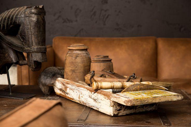 Vintage decoratie om uw woonkamer helemaal af te maken, de houten potten en dienblad zorgen voor net dat stukje extra!