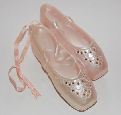 """von Vintage Perfume """"Pirouette Pomander"""" Pink Ballet Slippers. With a pink ribbon. Made in Italy. I had this"""