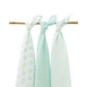Jollein Hydrofiele Multi doek in zacht mint groen met Uiltjes. In dit 3-pack 1x print Uiltjes, 1x effen mint groen en 1x wit met mint blaadjes. Afmeting 115x115. 100% katoen en te wassen op 60 graden. 3-Pack voor € 22.95