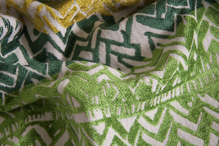 SHINE L1395 05 Склад:58% PL, 36% AC, 6% VI ширина – 138/140 см вага – 660 г/м² #interiorfabrics #джакард #тканинадлямеблів #тканидлямебели