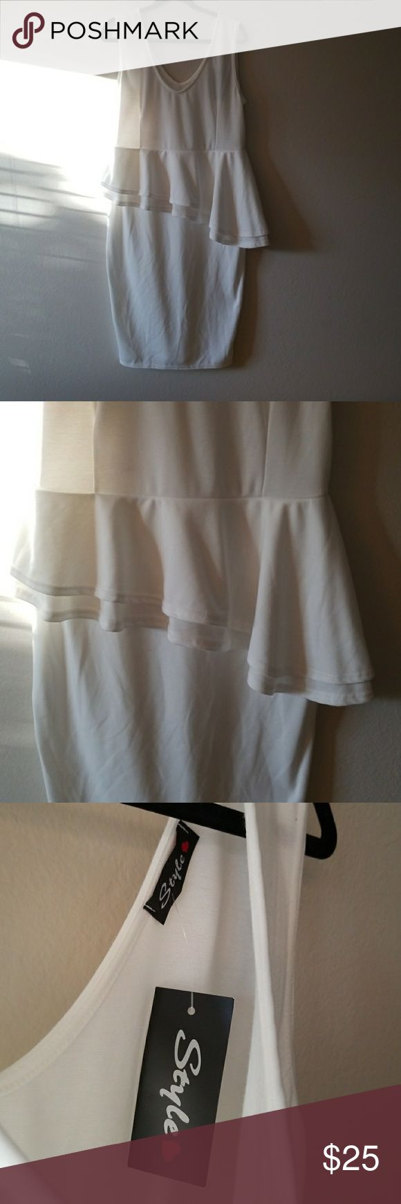 NWT White Peplum Dress Brand new! Style Dresses Midi