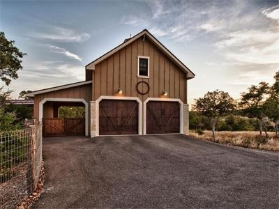 Garage done in the classic texas hill country style it 39 s for Hill country classic homes