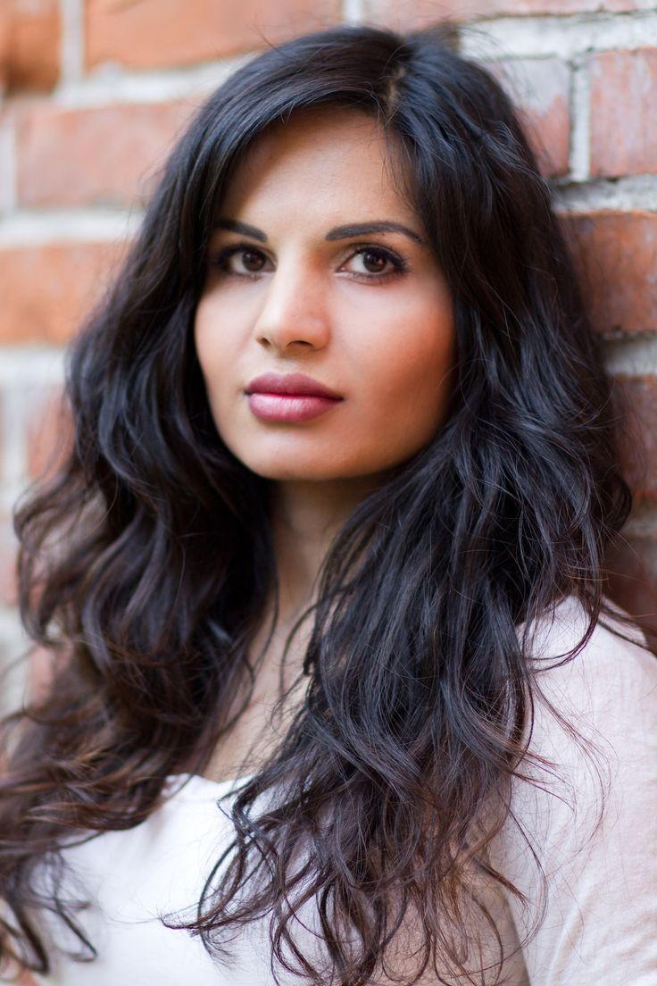 Sabatina James, gorgeous black hair