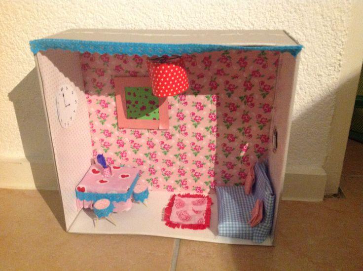Een minihuisje in een schoenendoos leuk om zelf te maken kijkdoos maken pinterest - Hoe een rechthoekige woonkamer te voorzien ...