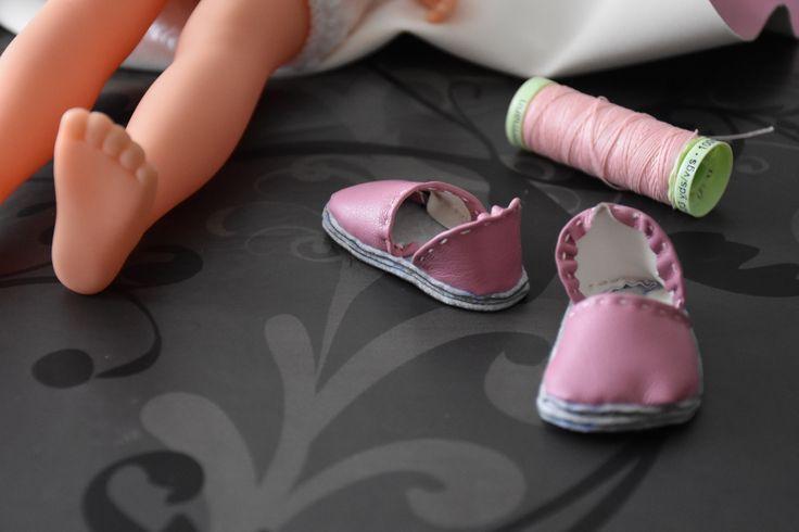 tuto gratuit poupée: Bottes en simili cuir rose pour  poupée. (Partie 1) et chaussures basses