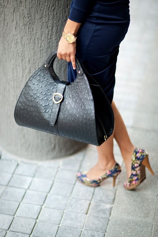 Contessa in Midnight Black. Luxury leather ostrich handbag. Gold plated fittings and comes with a little make-up purse. www.pedicollections.com