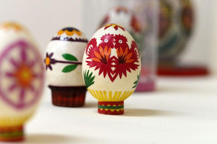 Aspecto visual da wycinanka é tão delicado que chega a ser confundido com pequenos crochês.