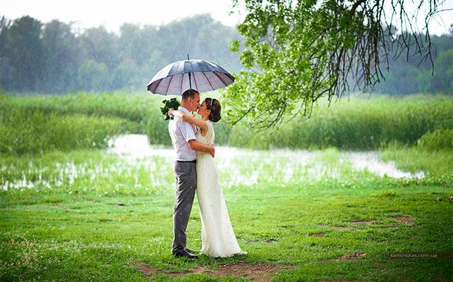 OMBRELLO SPOSA WEDDING LANGHE ROERO.jpg