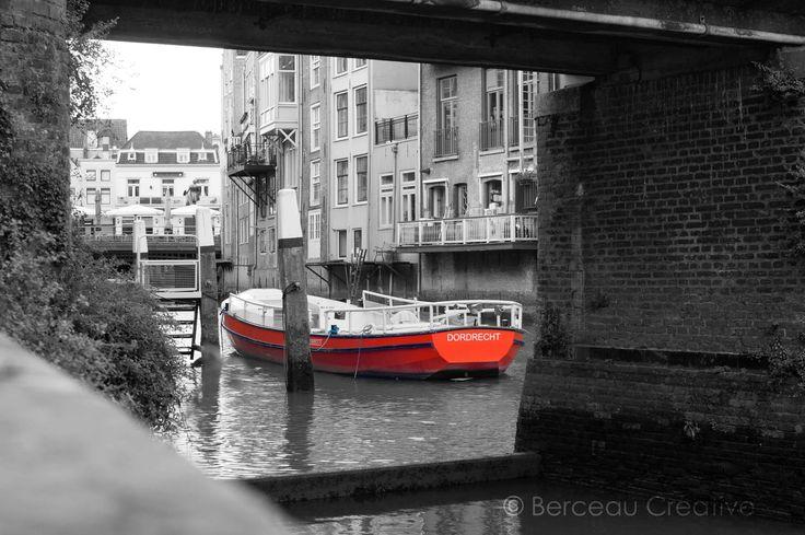 Tot eind oktober vaart de Dordtevaar door de havens van Dordt #Dordrecht #Dordt #Dordtevaar #havens #oudstestadvanholland